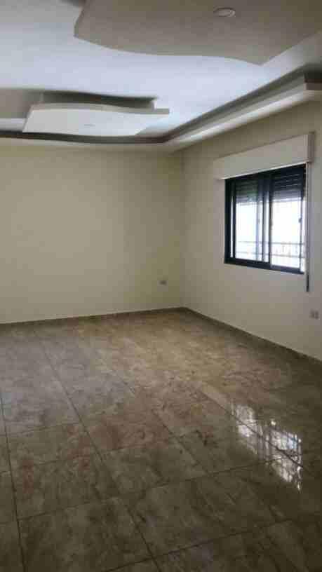شقة غرفة وصاله للبيع بالقسط بعرض مميز-  شقة للبيع منطقة شفا بدران...