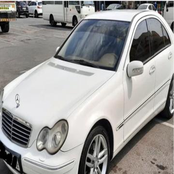 Mercedes 2003 C240 GCC- - مرسيدس C240 خليجي سته سلندر نظيفه جدا من الداخل والخارج مسرفسه...