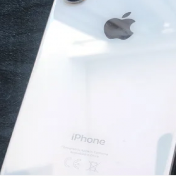 iphone XS 512 GB + Airpods- - Perfect condition both items and barely used 3 المدينة : أبو...