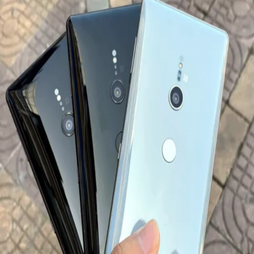 Sony Xz2 (like new) سوني xz2 مستعمل بحالة جديد- - 100% original sony used mobile *Sony XZ2 Japan*....