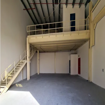 2200 sq feet in New Sajja (Emirates Industrial City)- - Direct from owner 2200 new warehouse With water and electricity...
