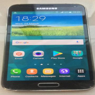 Samsung s5- - Good running condition المدينة : دبي الحي: الطوار الماركة:...
