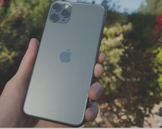 iPhone 12 64gb perfect condition-  الجهاز استعمال محترم جدا...