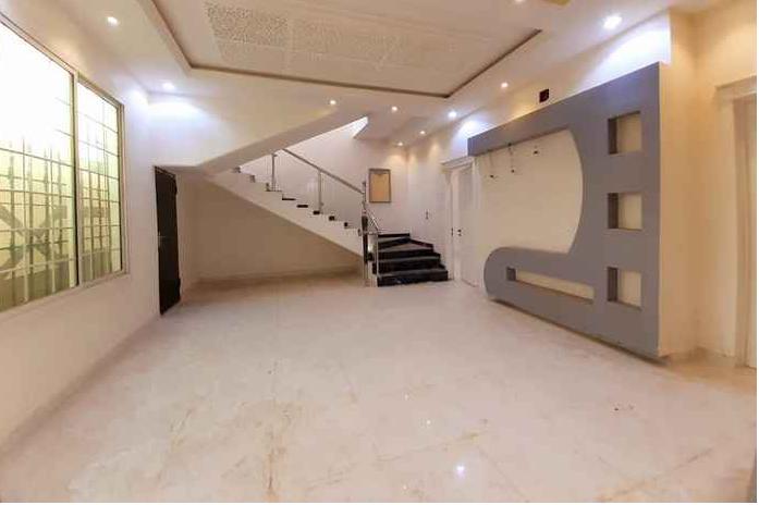 •بيت الاصيل النوع الوحيد اللي بيكون فيه تحت الارض غرفة متعددة الاستخدامات(غرفة العاب,-  فيلا للبيع في شارع عثمان...