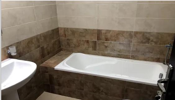 شقق-للإيجارللايجار شقة ثاني ساكن 3 غرف نوم ومجلس منفصل ومطبخ كبير 3 حمامات...