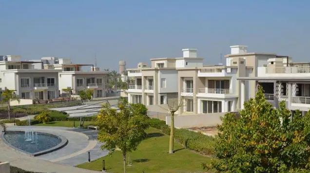 فلل كازبلانكا تسليم ٢٠١٩ و السعر يبدأ من ١,٦٨٠,٠٠٠ لل٣ غرف ...... بتكون مساحة الارض ١,٦٣٣ ....�-  Villa for sale in Cairo...