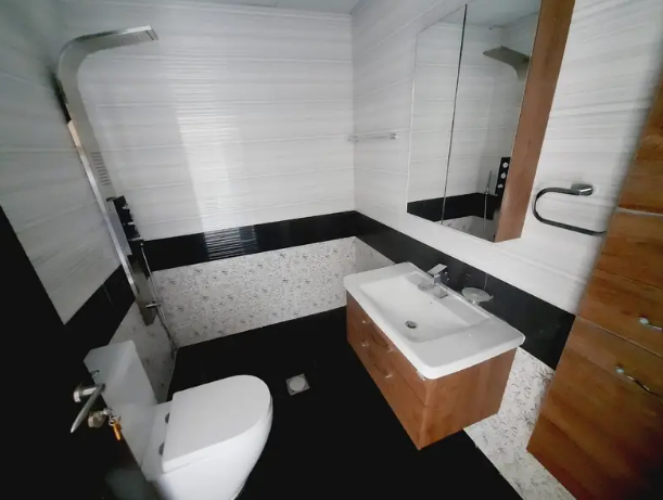 BEUTIFULL FULLY FURNISHED STUDIO WITH PRIVATE BALCONY OUTCLASS FINISHING NEW FURNITURE SEP,KITCHEN SEP, WASHROOM NEAR AL FURSAN-  CHILLER FREE I BRAND NEW...