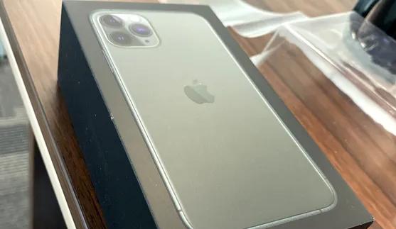 iphone 11 pro max 256GB-  ابل ايفون 11 برو 512 جيجا...