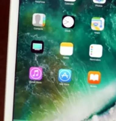 ايباد 2 /64 جيجا/يوجد sim card/ للبيع-  Apple Ipad 5   (32GB)...