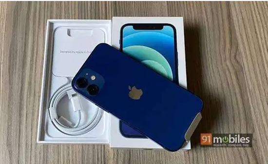 للبيع ايفون 7 مستعمل شهر-  My original iPhone 12 12...