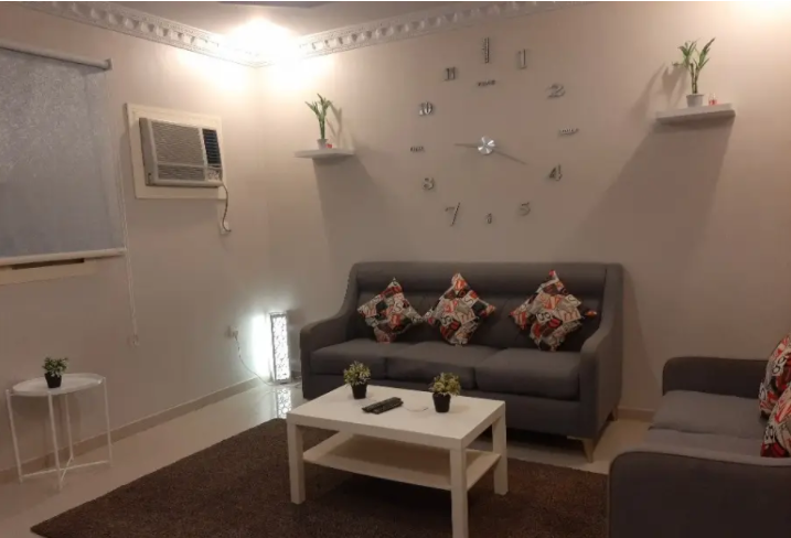 Newly Furnished! Monthly Payments! Downtown Living!-  شقة مفروشة فاخرة غرفتين...