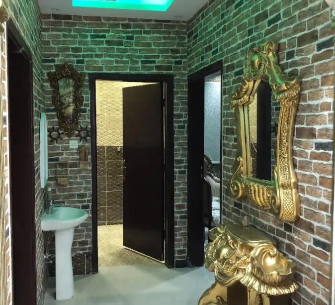 MONTHLY Fully Furnished Studio In Building Including Elect. Water & Wifi In Hamdan Street Near Al Hosn 4500-  شقة فخمة للايجار الرمال...
