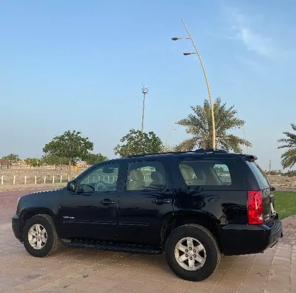 I am advertising my 2016 TOYOTA LAND CRUISER for sale at the rate of $15000 because i relocated to another country, the car is in good and excellent condition, -  جمس يوكن 2012   الموديل:...